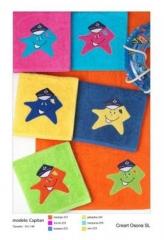 Toalla infantil para piscina, creart osona. un regalo original, una pieza artesanal y un complemento