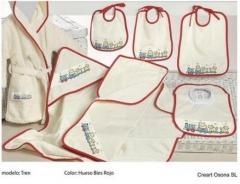 Baberos y capas de ba�o. Un regalo original, una pieza artesanal y un complemento textil totalmente