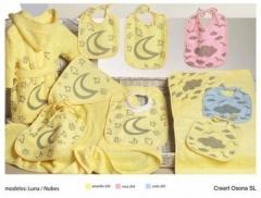 Albornoces bebe estampados. Un regalo original, una pieza artesanal y un complemento textil totalmen
