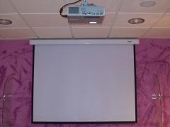 Videoproyectores, pantallas y t.v. de última generación