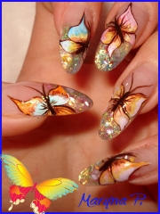Uñas esculpidas con mariposas fantasia