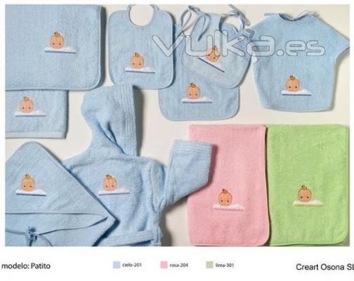 Baño De Tina O Artesa:Foto: Capas de baño bordadas, Creart Osona Albornoces bebe bordados