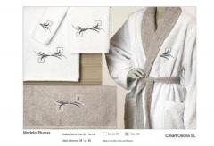 Toallas bordadas a conjunto. Un regalo original, una pieza artesanal y un complemento textil totalme