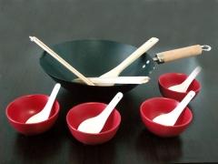 Juego de wok con utensilios