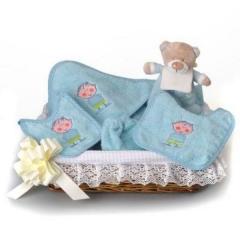 Baberos y regalos para bebes.. Un regalo original, una pieza artesanal y un complemento textil total
