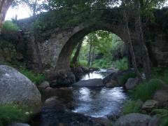 Puente del cabril en villa de gata