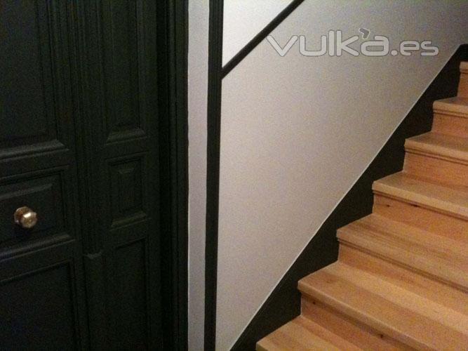 Foto reforma de interiores escaleras pasillos paredes for Construccion de escaleras interiores