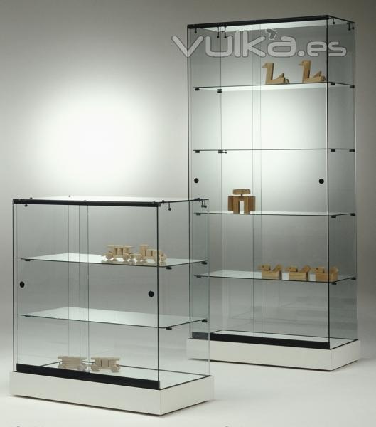Compro Piso En Barcelona A Particular: Foto: Vitrinas De Vidrio Para Exposiciones, Base Melamina