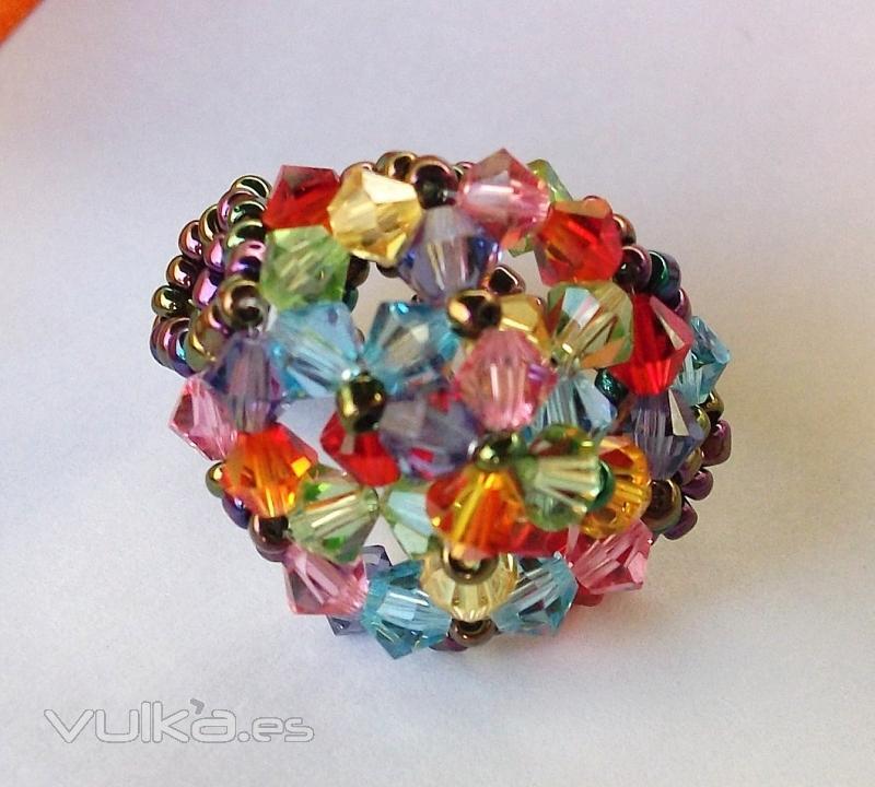 Anillo Romanticismo. Cristales Swarovski y rocalla. Totalmente artesanal!