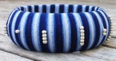Pulsera sol azul. madera, hilo, miyuki. ideal tambi�n como complemento de flamenca. hecha a mano