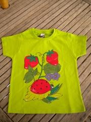 Camiseta mariquita. pintada a mano con pintura textil de alta calidad
