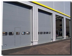 Fabricaci�n de puertas seccionales  industrial y residencial