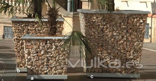 Foto jardineras piedra y acero de distintas medidas for Jardineras de piedra natural