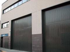 Puertas basculantes industriales