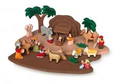 Juguetes de madera www.giocojuguetes.com. nacimiento con piezas talladas a mano