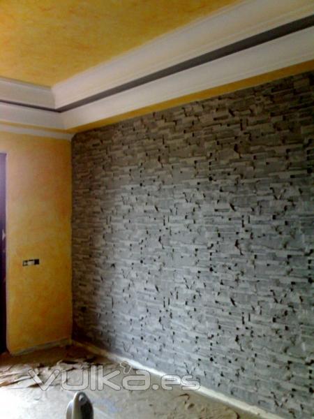 Foto decoracion piedras de escayola for Decoracion de canteros con piedras