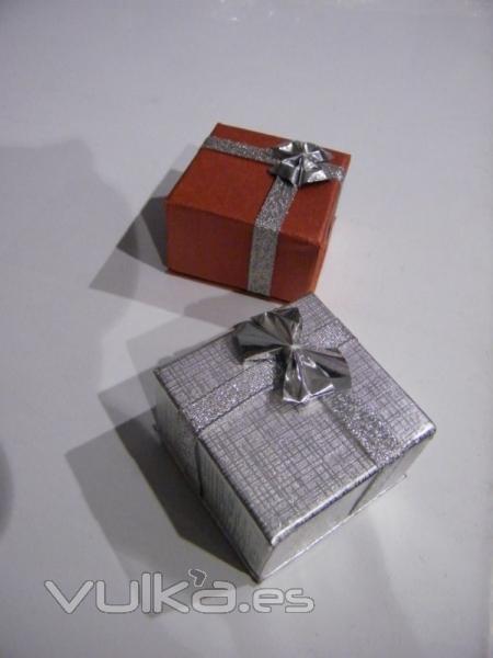 Foto cajas y envoltorios para regalo bobinas de papel de - Envoltorios para regalos ...