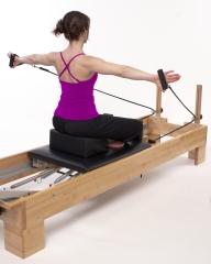 Sala exclusiva para entrenamientos personales y sesiones individuales de pilates.