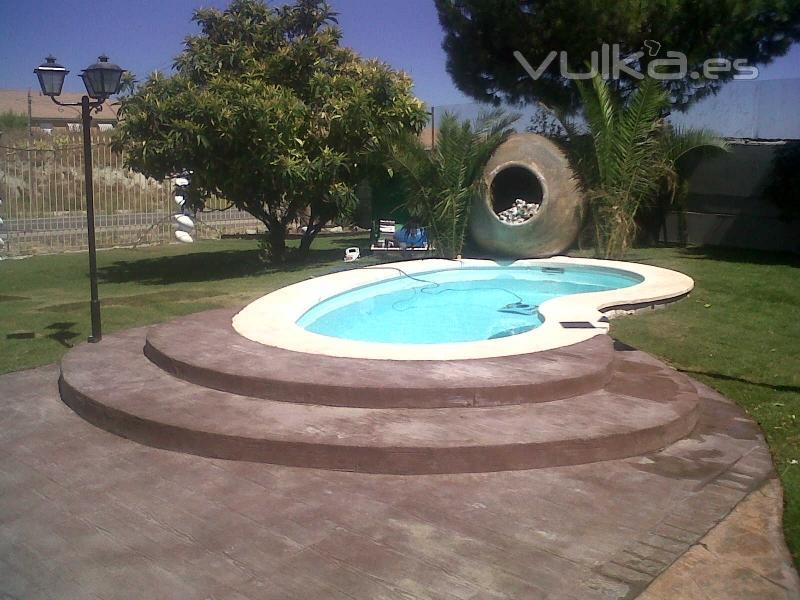 Barpool fabricante de piscinas de fibra alacuas valencia for Modelos de casas de campo con piscina
