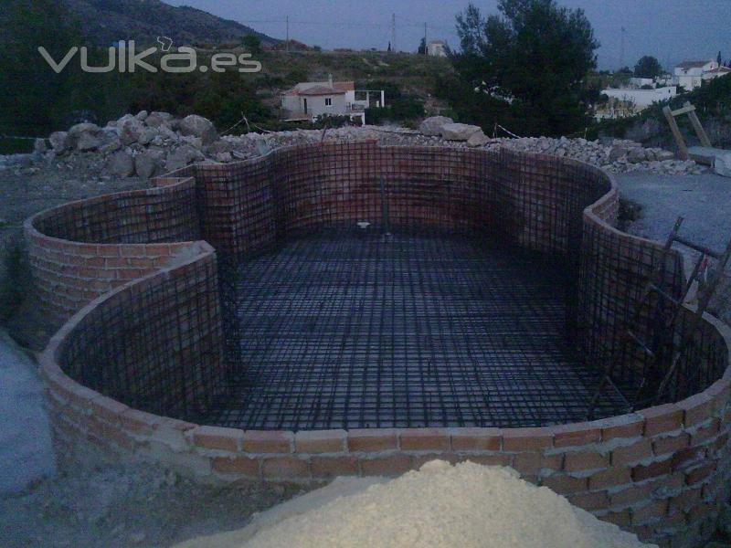 Foto armadura de losa y muros en piscina - Losas para piscinas ...