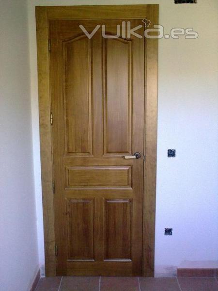 Foto puerta 5 tableros provenzal - Precio lacar puertas en blanco ...