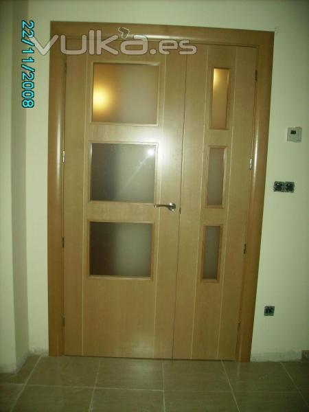 Puertas alberto cano for Puertas blancas modernas