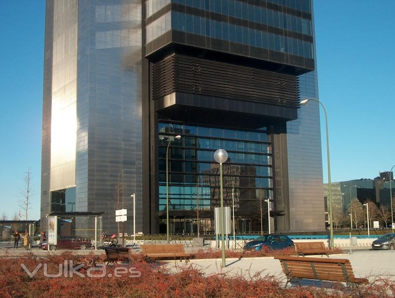 Foto torre caja madrid - Caja arquitectos madrid ...