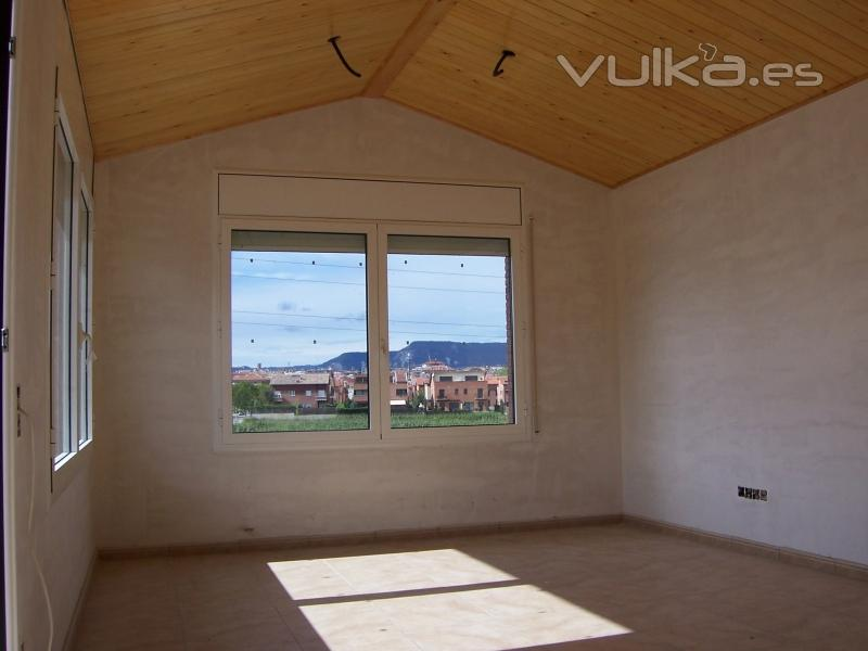 Foto techo de madera interior guardilla for Techos madera interior