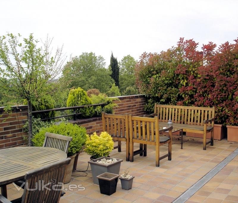 Azarbe jardines - Decoracion de terrazas de aticos ...