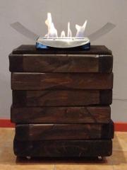 HESTIA dise�ado por Bioflama y Fustes Graus, realizado artesanalmente, conjuga Madera y Fuego