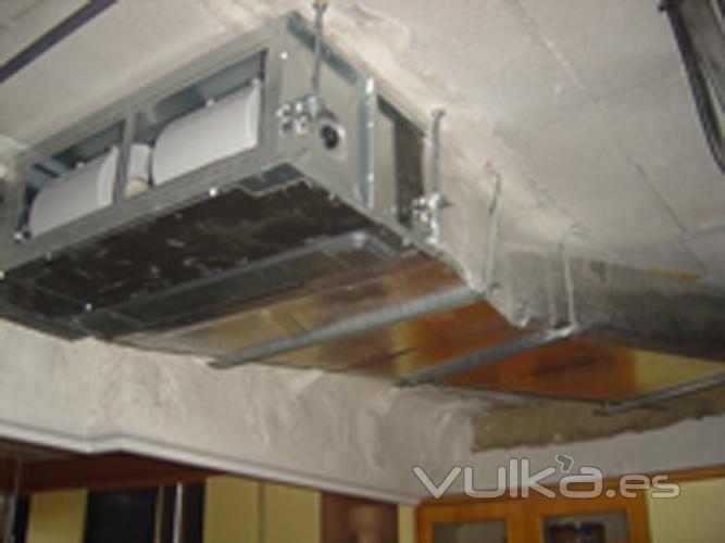 Foto aire acondicionado por conductos for Maquina aire acondicionado por conductos