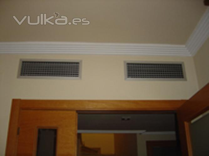 Foto rejillas de aire acondicionado por conductos for Maquina aire acondicionado por conductos