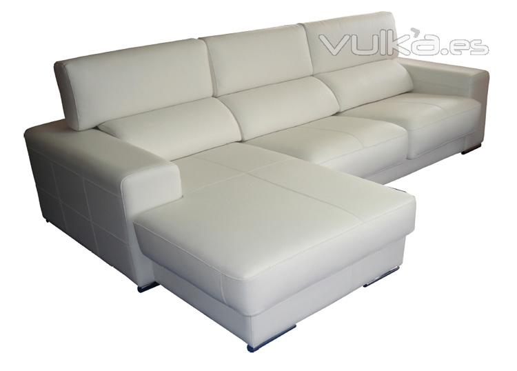 Foto sofa chaiselongue en piel de vaca plena flor color for Sofas piel madrid