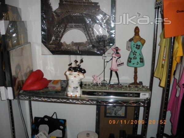 Foto tienda de regalos originales tienda de complementos for Articulos decoracion hogar