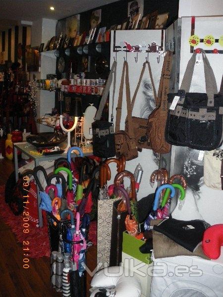 Foto tienda de regalos originales tienda de complementos y articulos de decoracion para el hogar - Cosas originales para el hogar ...