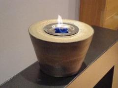 Colecci�n de objetos de cer�mica artesanales que desprenden una aut�ntica llama de fuego