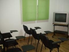 Sala de aula verde (también se alquila para reuniones o aulas)