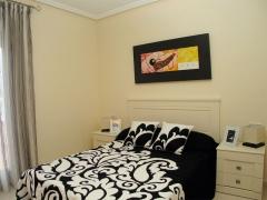 Dormitorio piso piloto guardamar